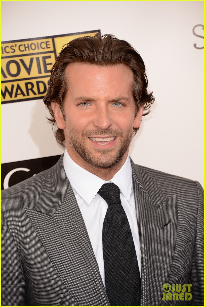 bradley cooper critics choice award 10