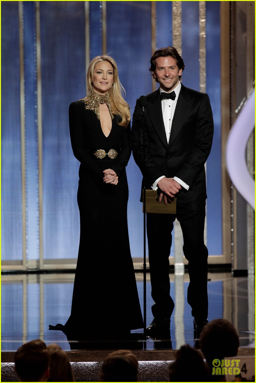 bradley cooper golden globes 2013 red carpet 01