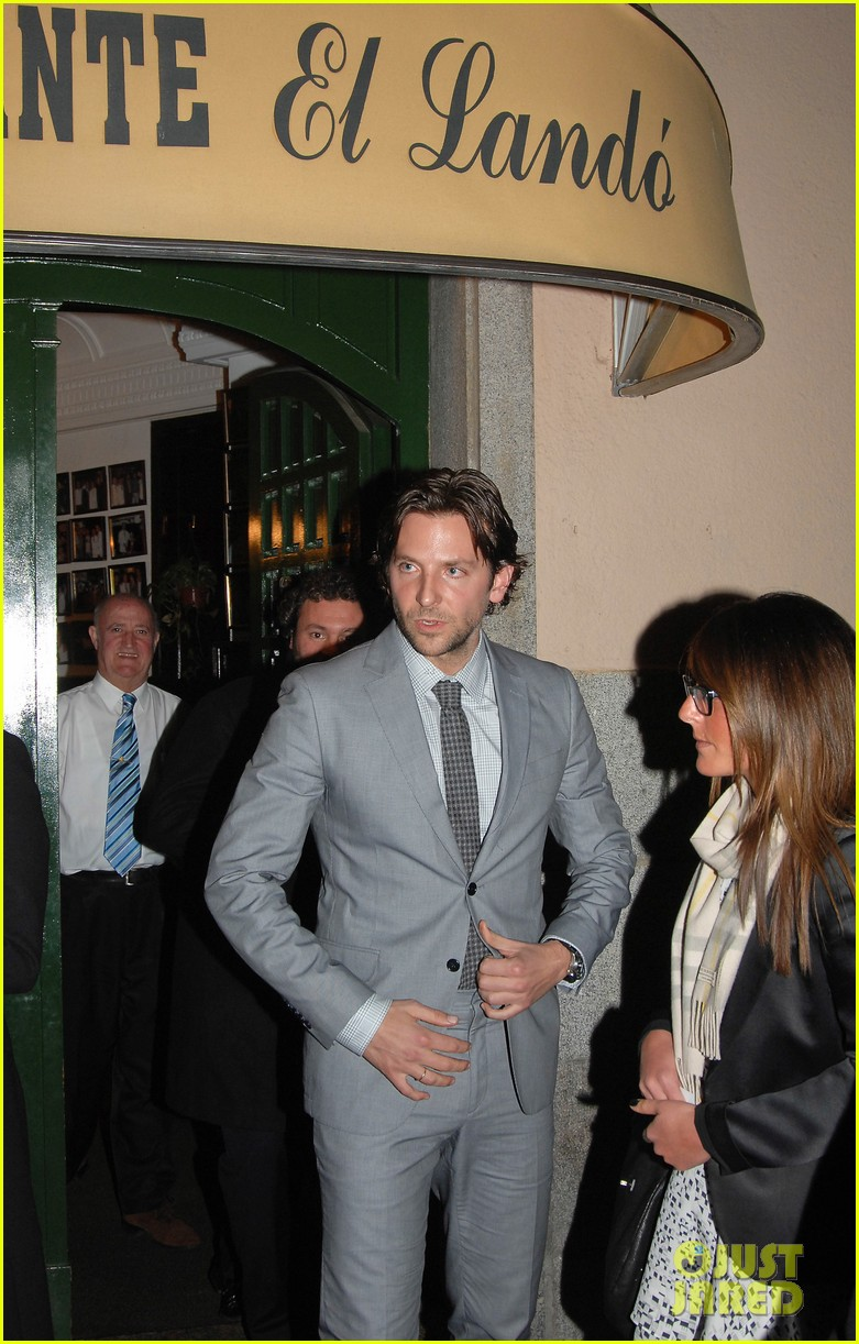 bradley cooper silver linings playbook paris premiere 15