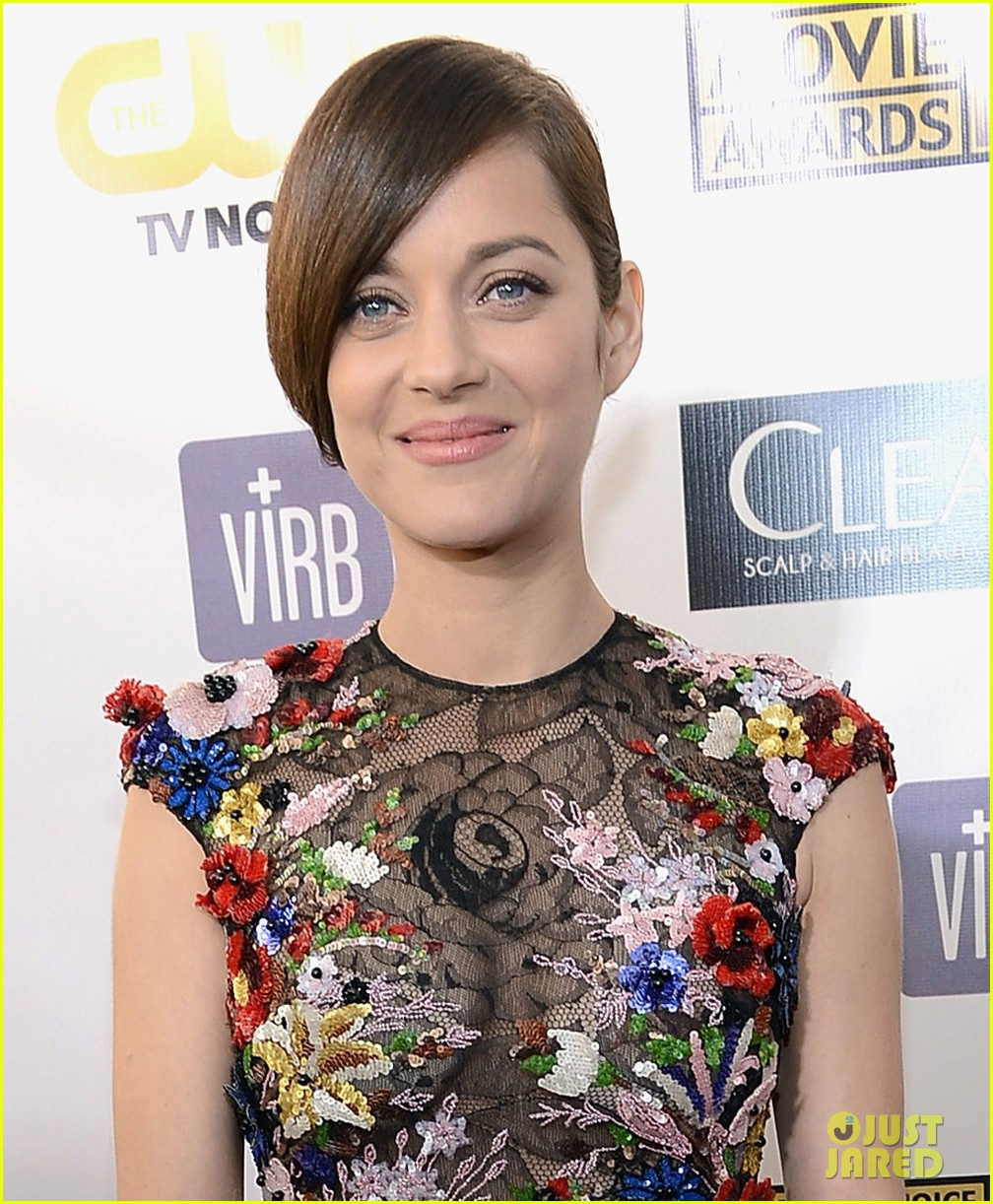 marion cotillard critics choice awards 2013 red carpet 012788908