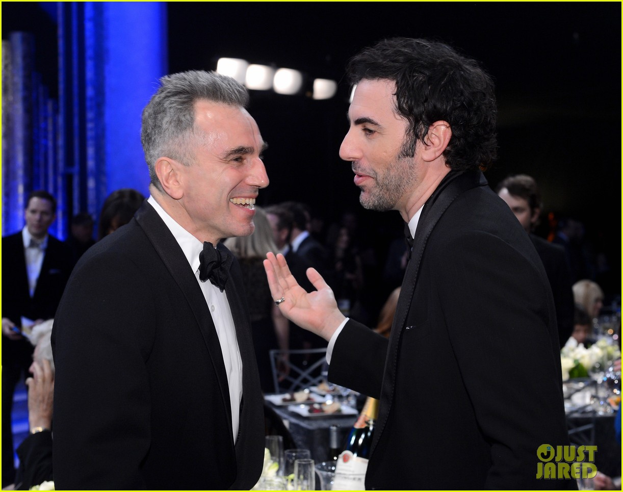 russell crowe sacha baron cohen sag awards 2013 07