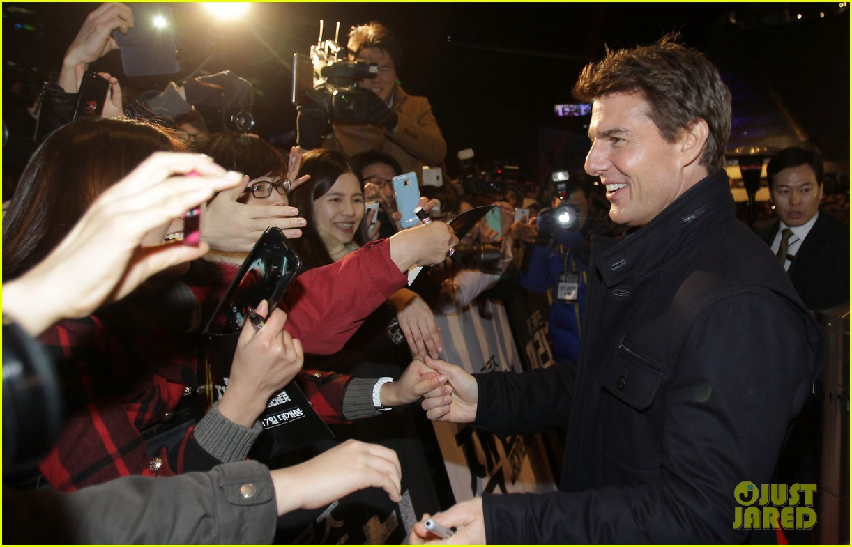 tom cruise rosamund pike jack reacher seoul screening 062788600
