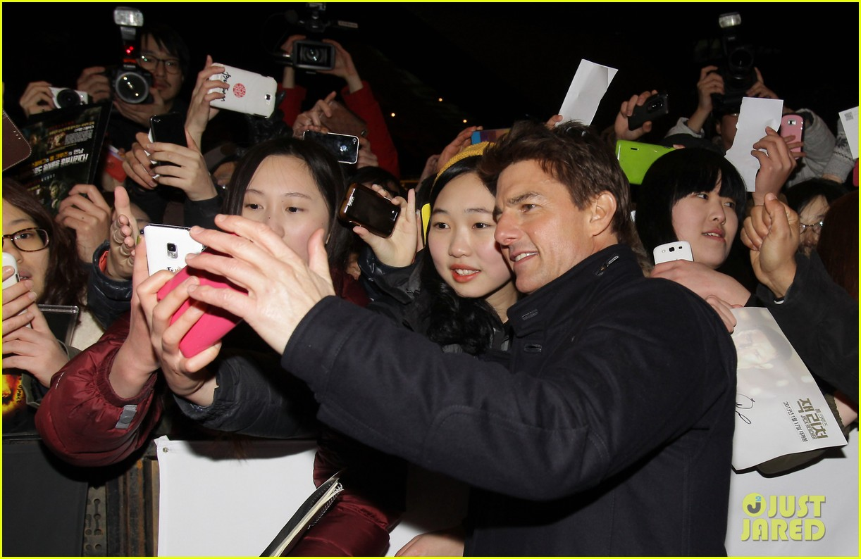 tom cruise rosamund pike jack reacher seoul screening 072788601