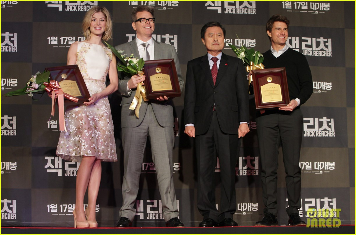 tom cruise rosamund pike jack reacher seoul screening 142788608