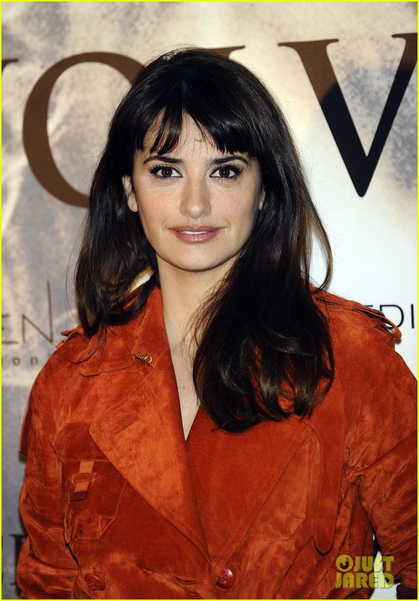 penelope cruz twice born madrid photo call 02