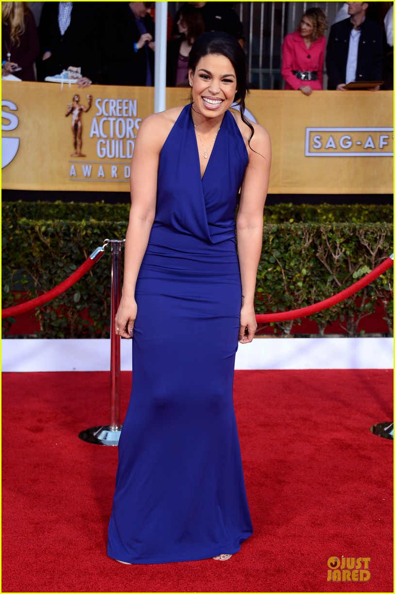 kaley cuoco jordin sparks sag awards 2013 red carpet 082799933