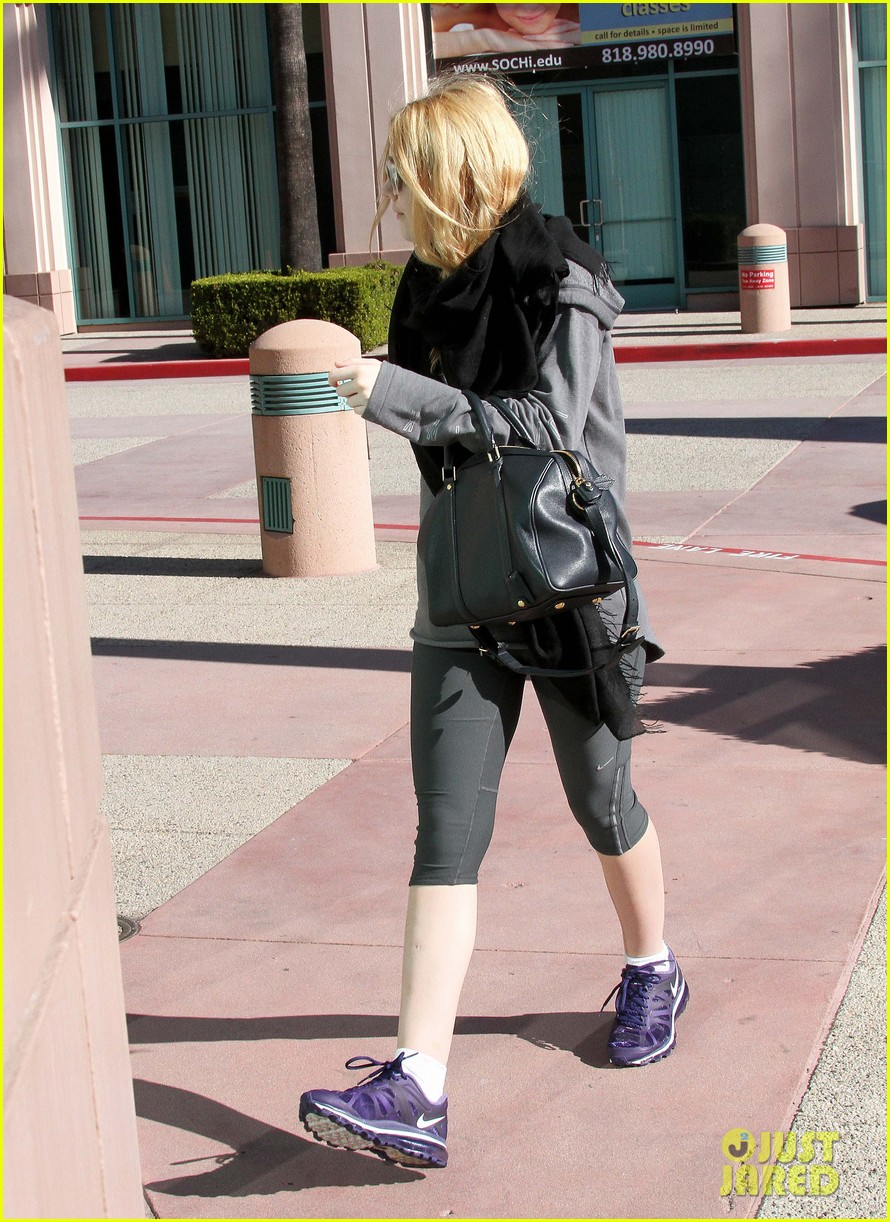 dakota fanning healthy juice after workout 05