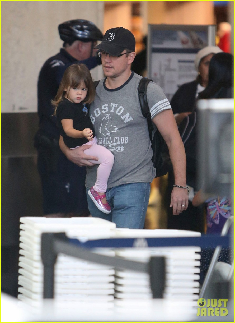 matt damon family lax arrival 152784662