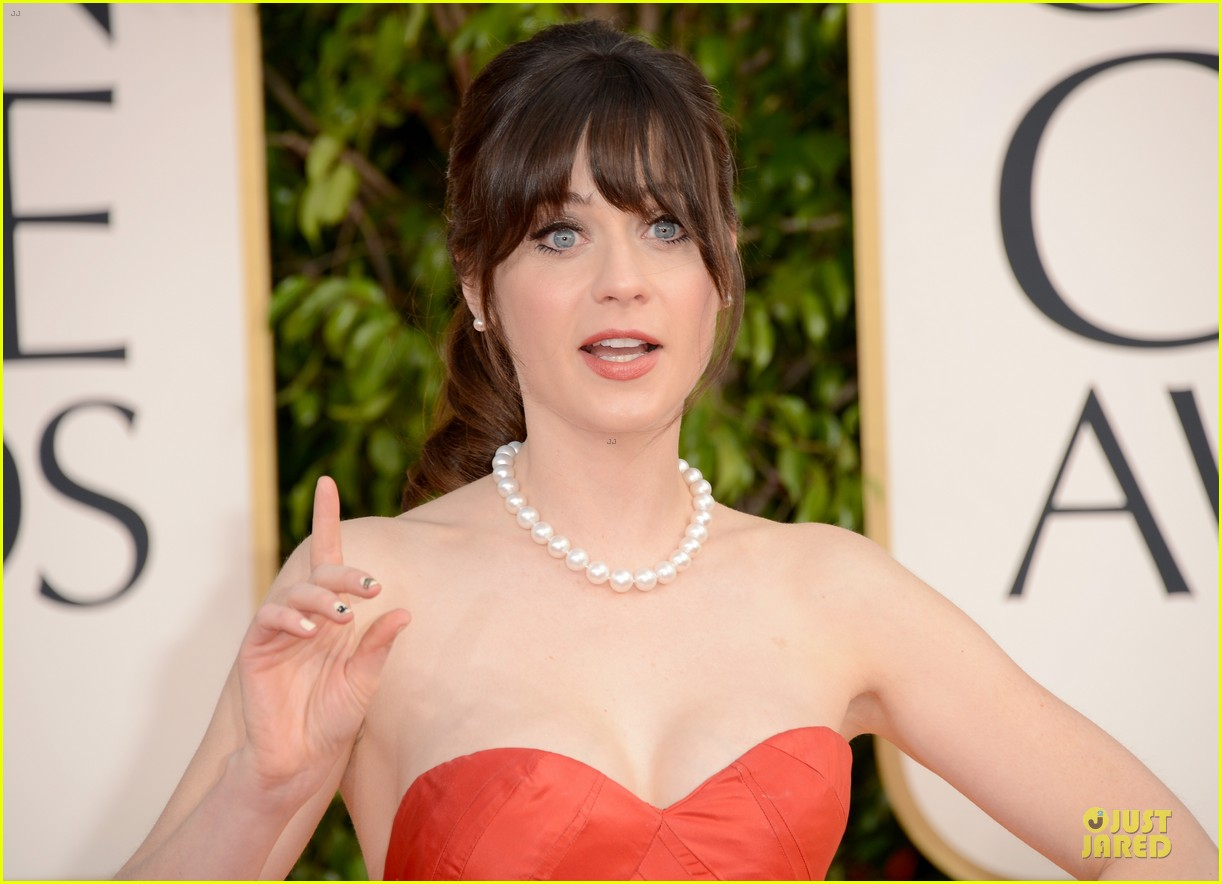 zooey deschanel golden glboes 2013 red carpet 04