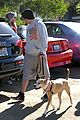pregnant jenna dewan channing tatum hiking with the dogs 05