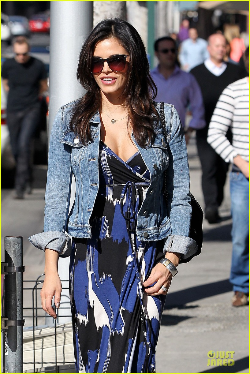 jenna dewan lunchtime in beverly hills is not good for my hormones 09