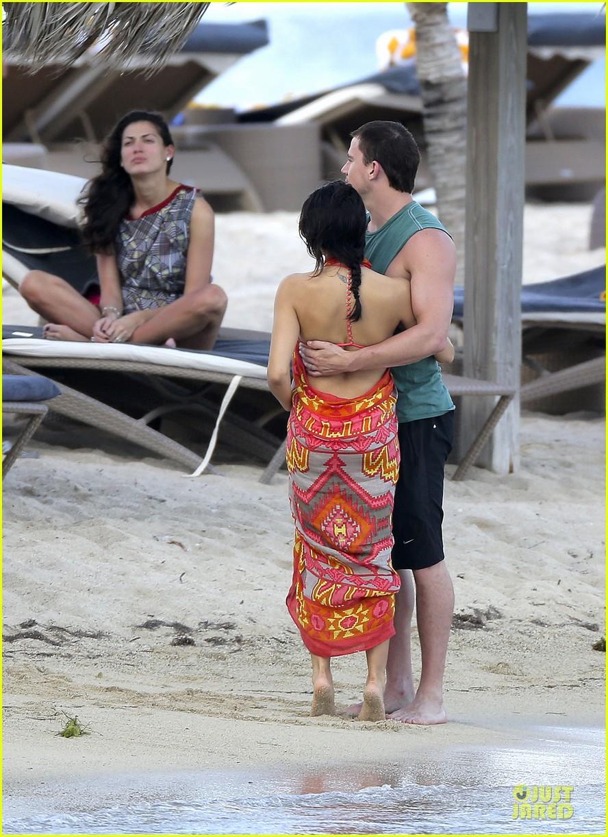 pregnant jenna dewan & channing tatum st barts kissing pair 182783248