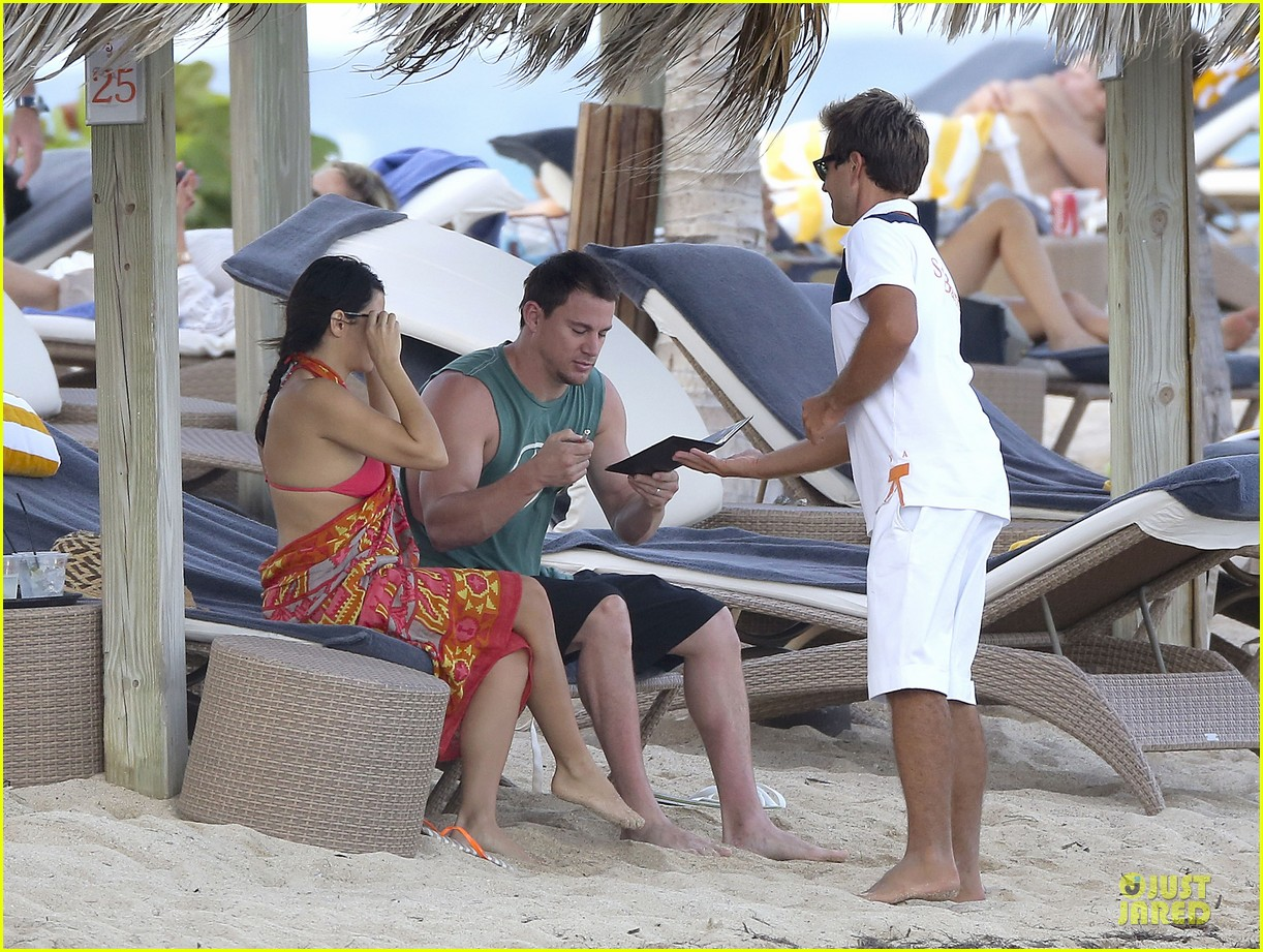 pregnant jenna dewan & channing tatum st barts kissing pair 20
