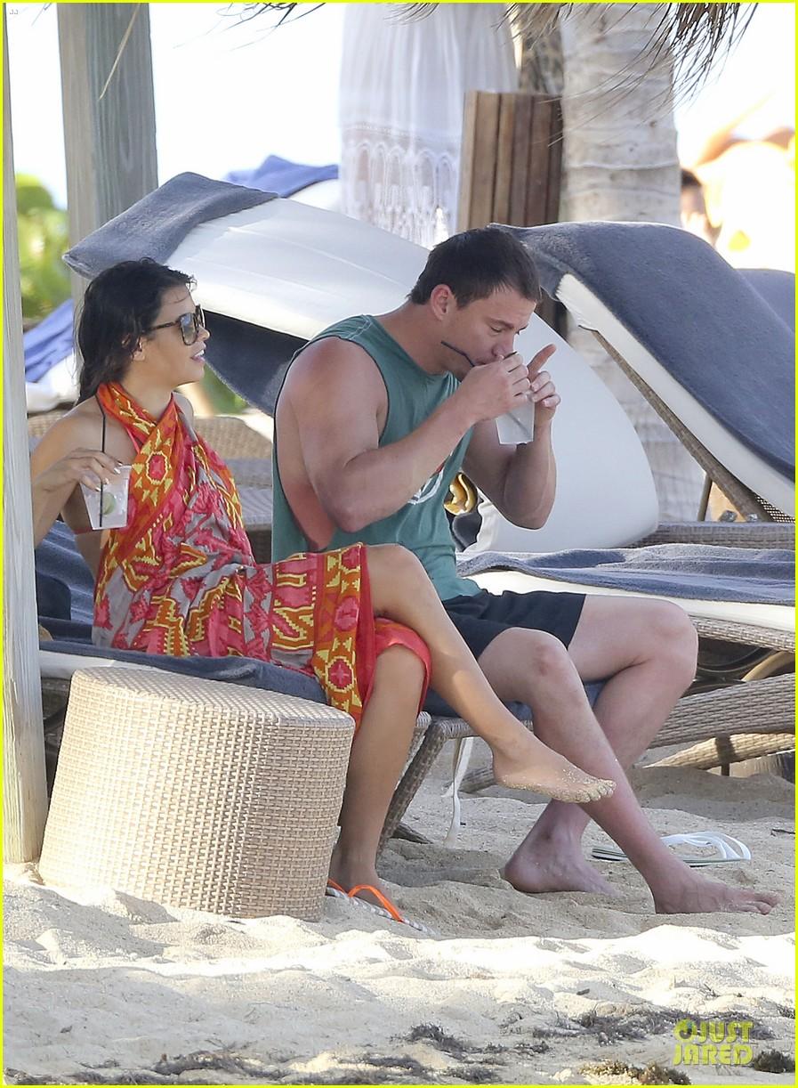 pregnant jenna dewan & channing tatum st barts kissing pair 292783259