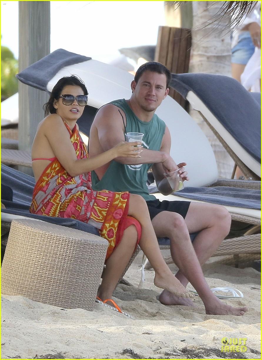 pregnant jenna dewan & channing tatum st barts kissing pair 35