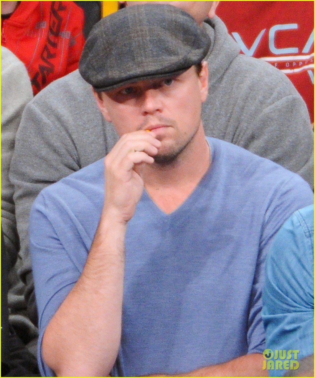 leonardo dicaprio lakers game night 102794093
