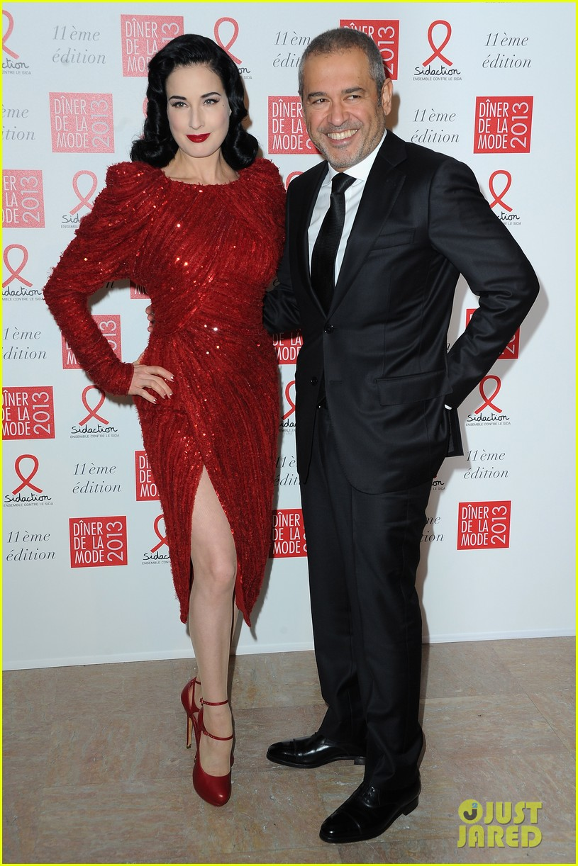 dita von teese hilary swank sidaction gala dinner 03