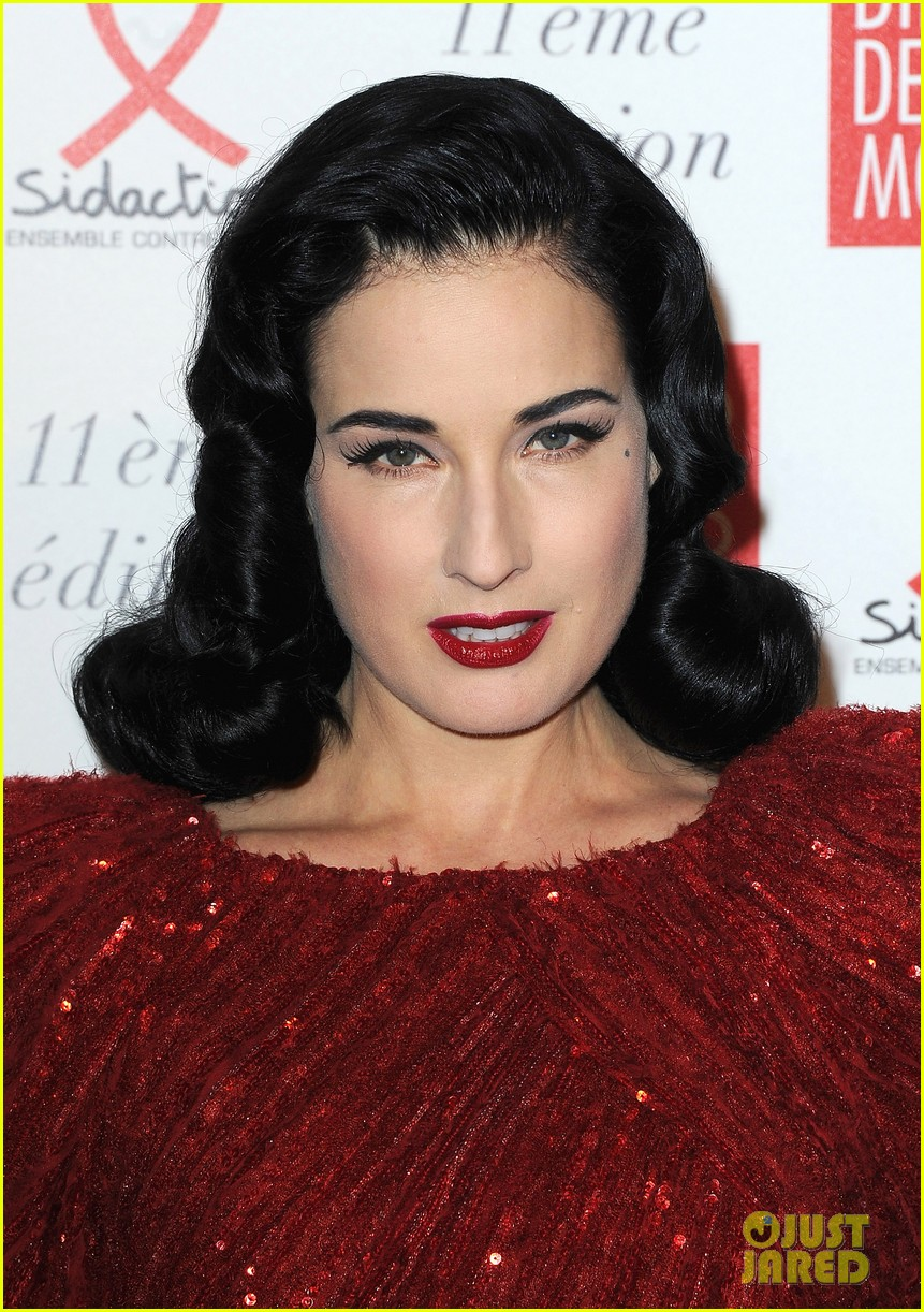 dita von teese hilary swank sidaction gala dinner 09
