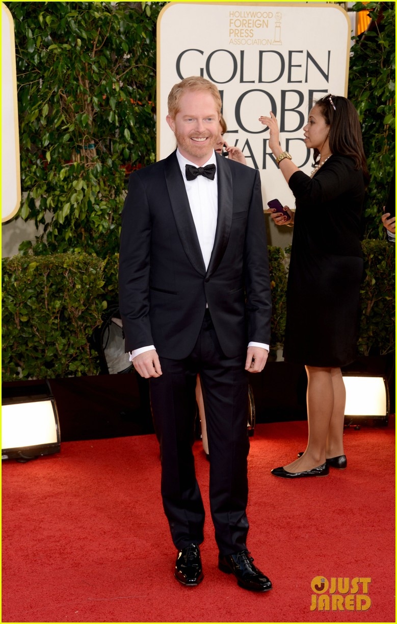 jesse tyler ferguson golden globes 2013 red carpet 072791409