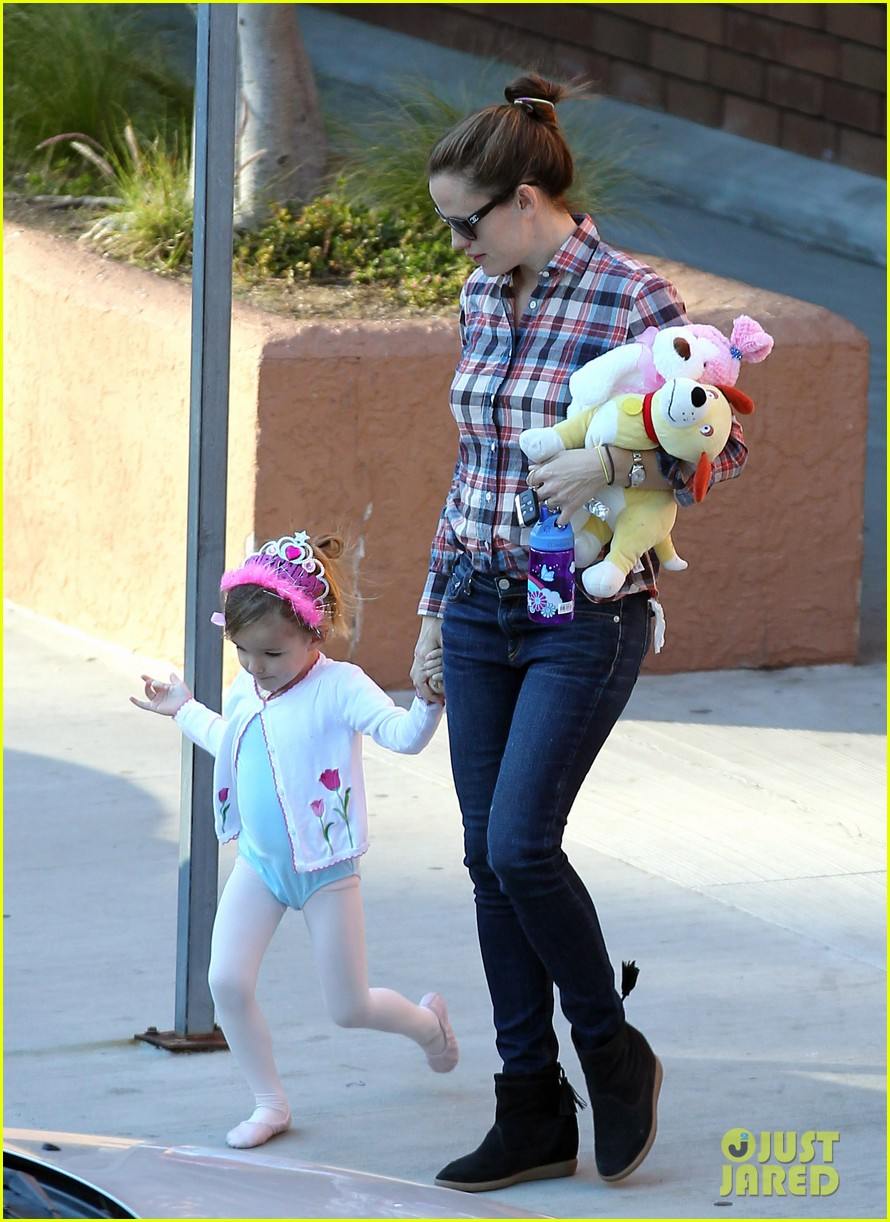 jennifer garner ballet coffee with seraphina 092794032