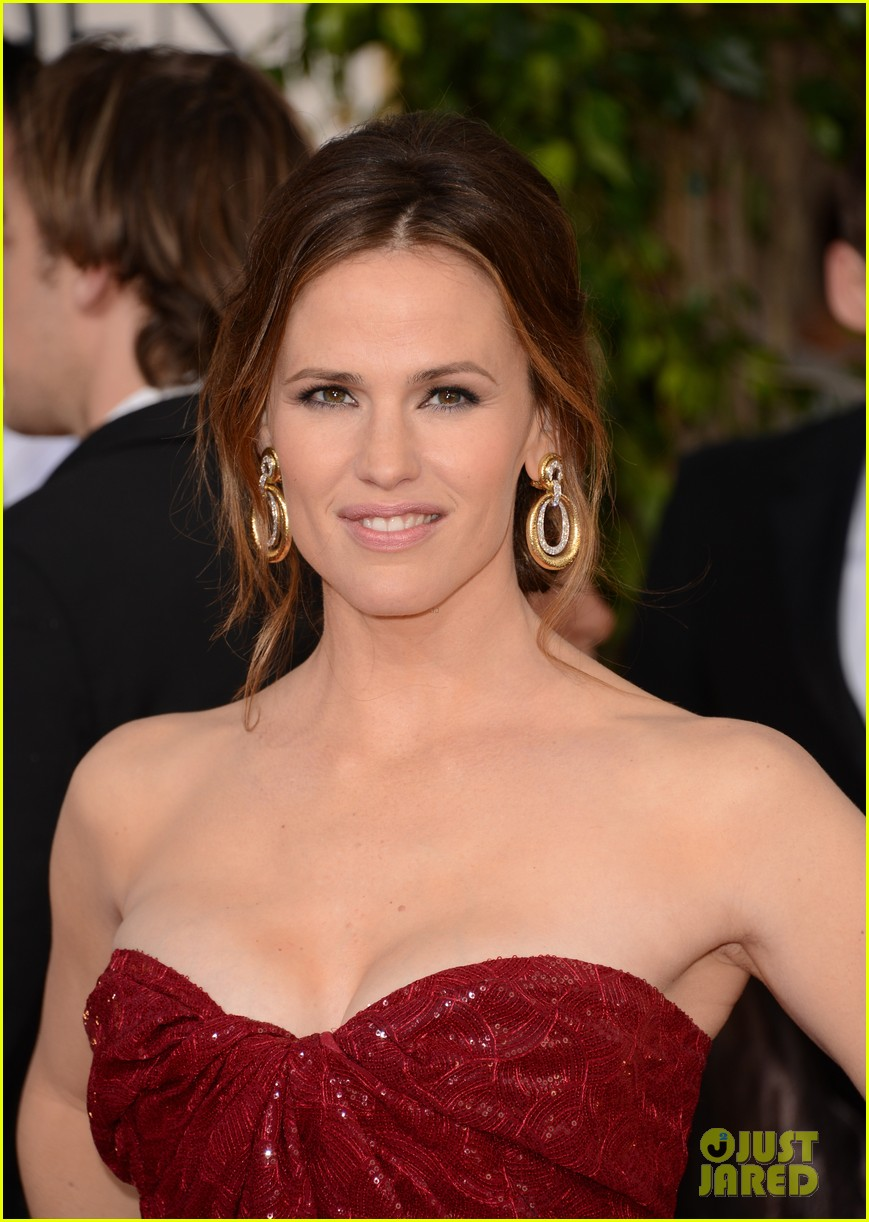 jennifer garner golden globes 2013 red carpet 12