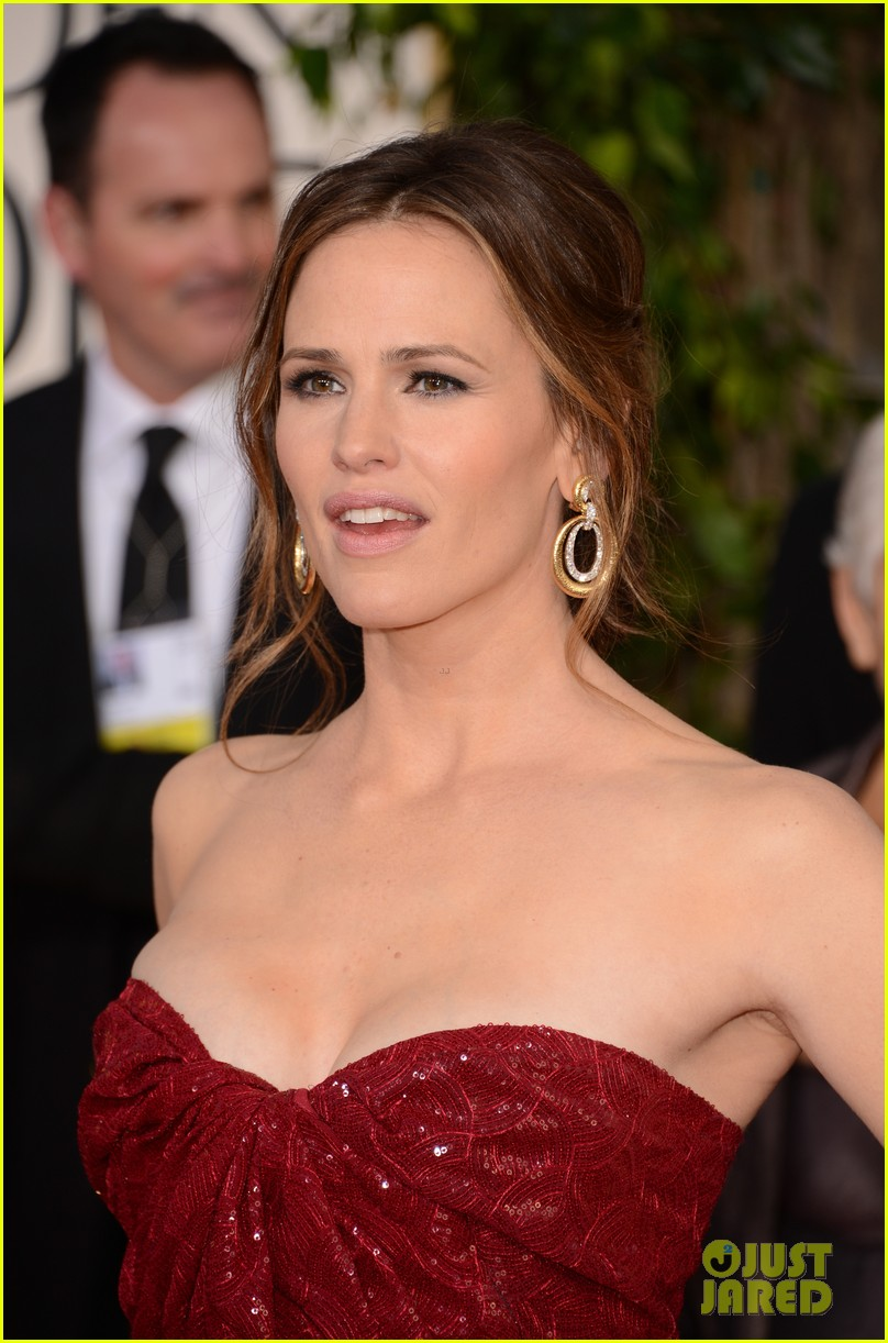 jennifer garner golden globes 2013 red carpet 13
