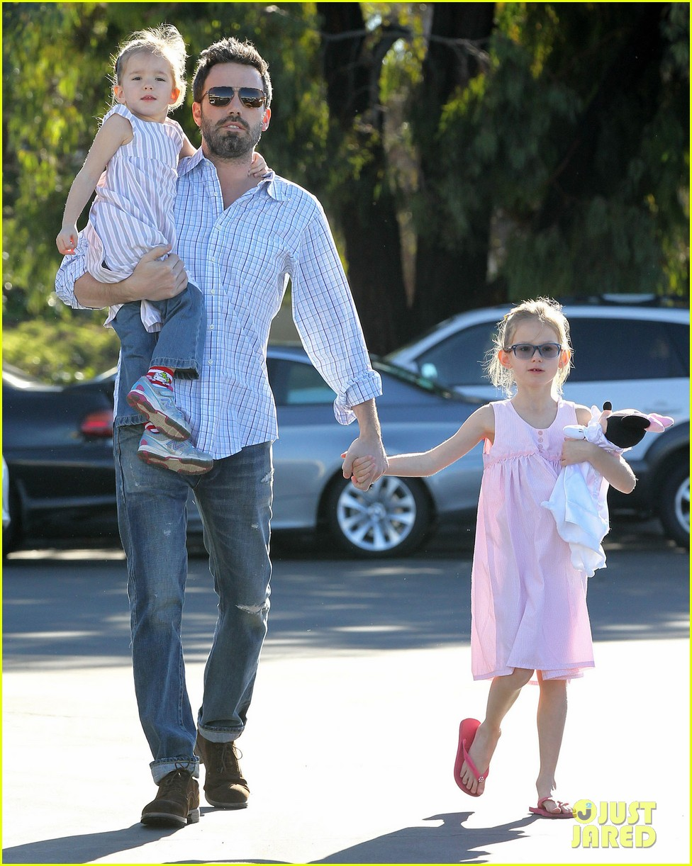 jennifer garner ben affleck weekend outings with the girls 052796343