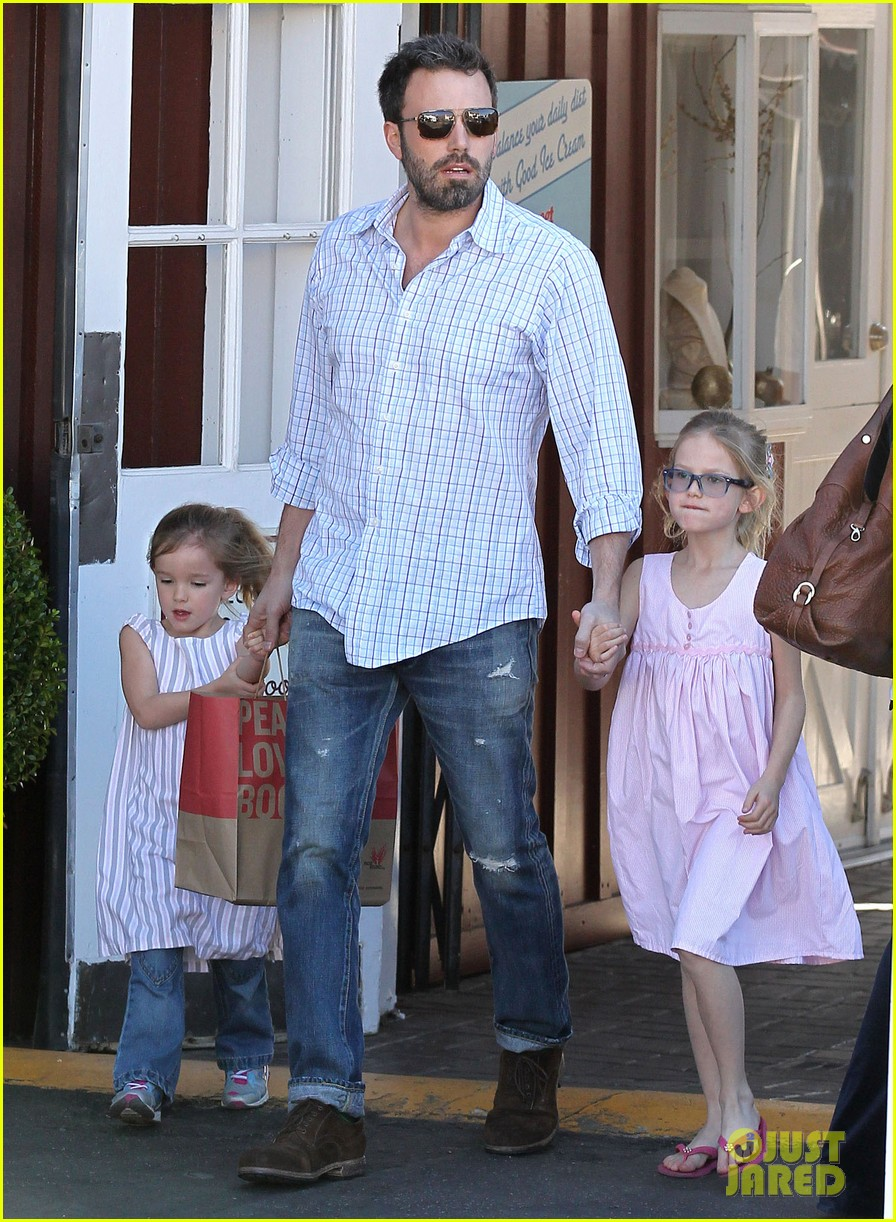 jennifer garner ben affleck weekend outings with the girls 06