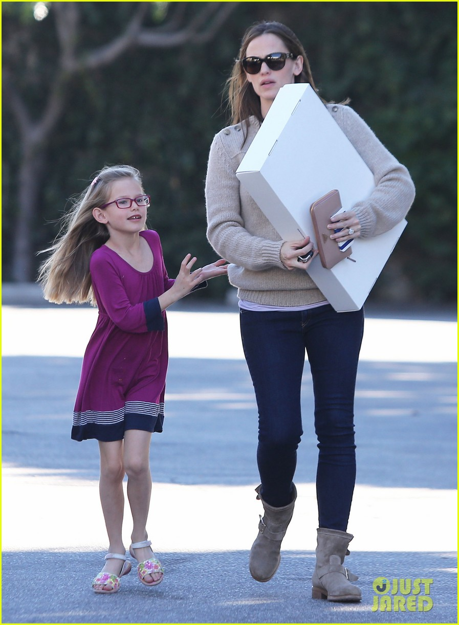jennifer garner ben affleck weekend outings with the girls 16