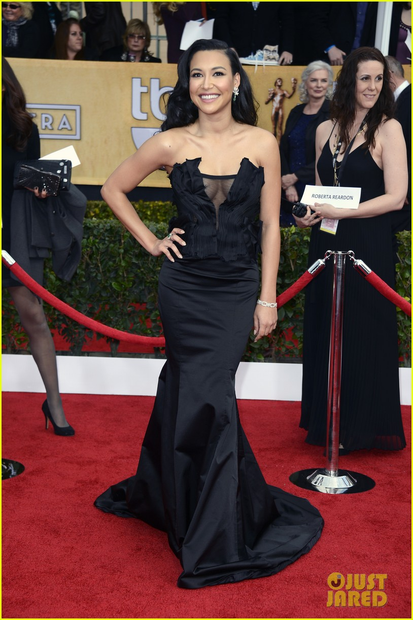 naya rivera jayma mays sag awards carpet 03