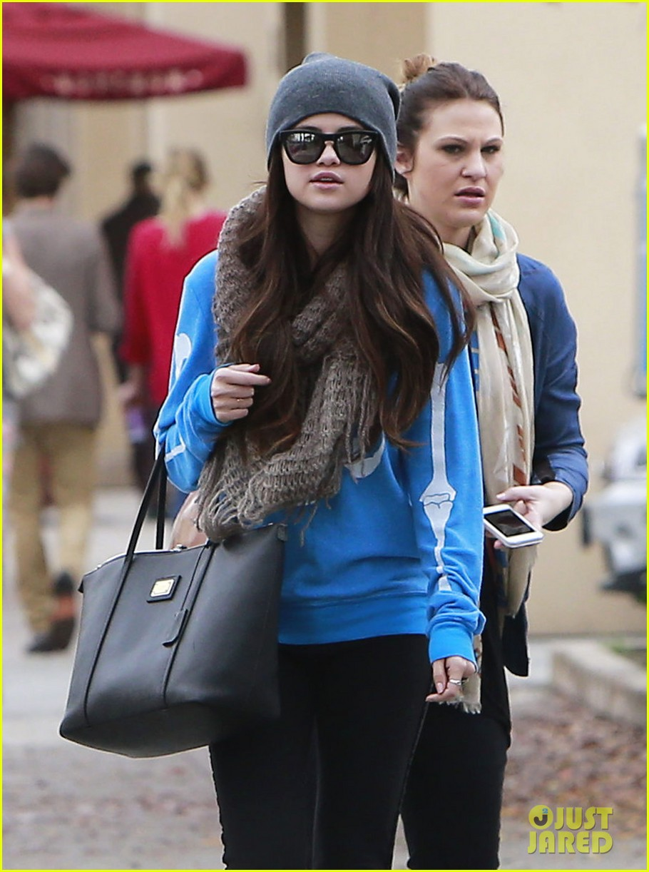 selena gomez wizards returns sets premiere date 04