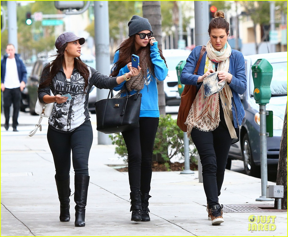 selena gomez wizards returns sets premiere date 07