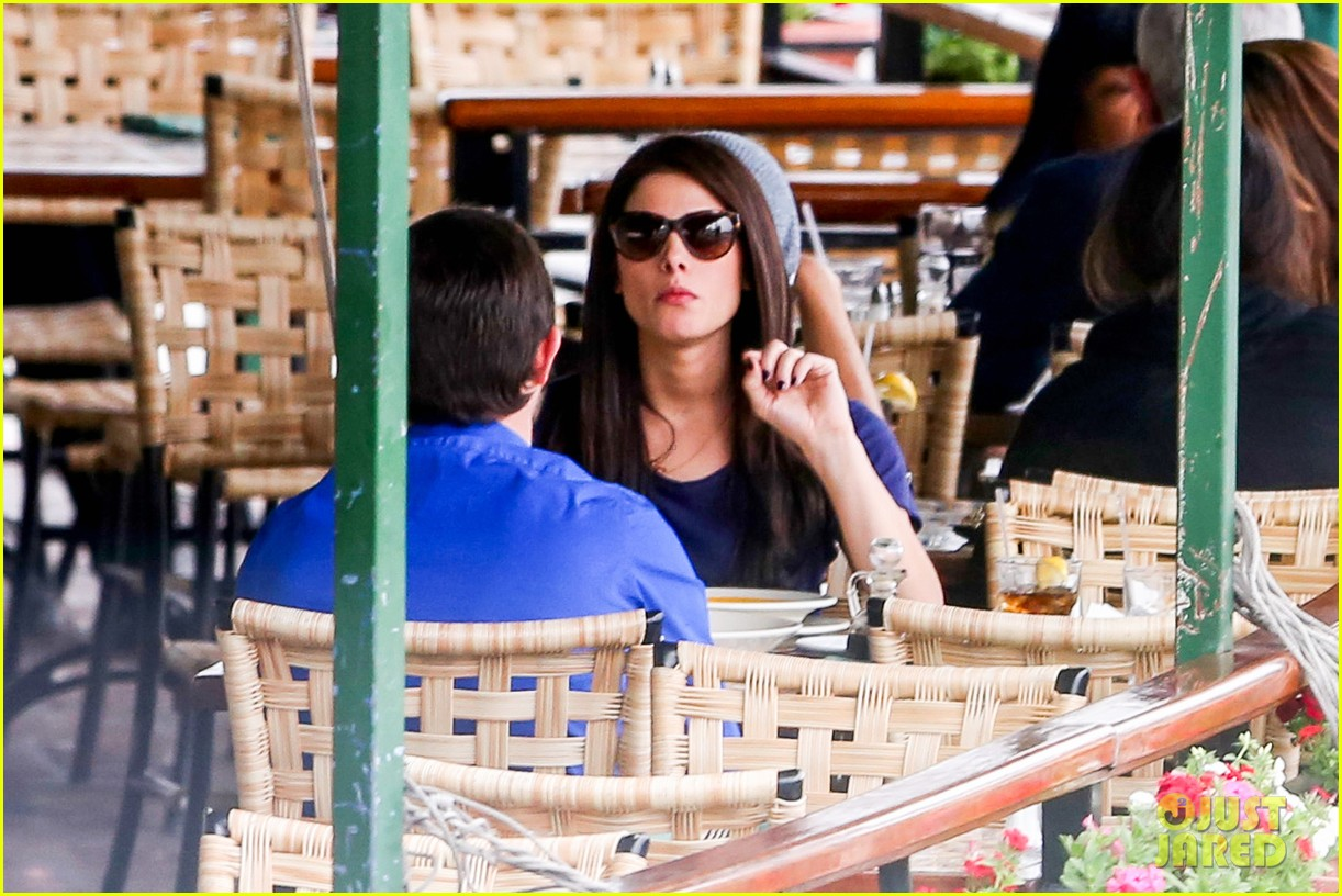 ashley greene cafe med cutie 11