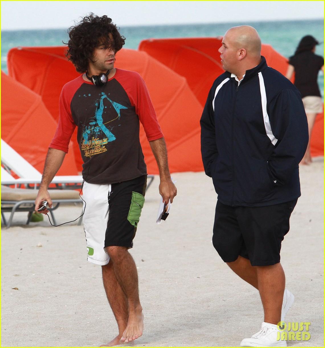 adrian grenier shirtless beach reading 162790613