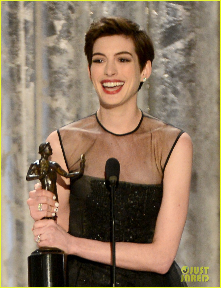 anne hathaway sag awards winner 11