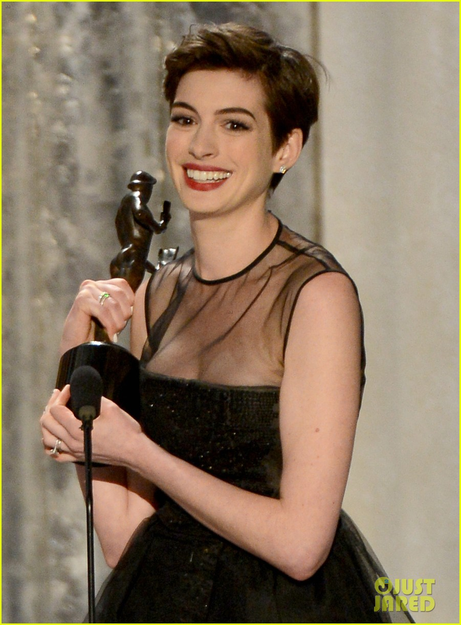 anne hathaway sag awards winner 14