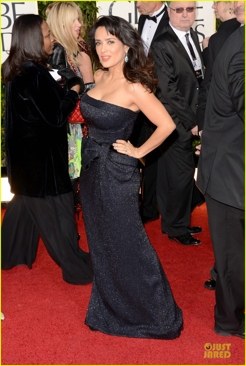 salma hayek golden globes 2013 red carpet 01