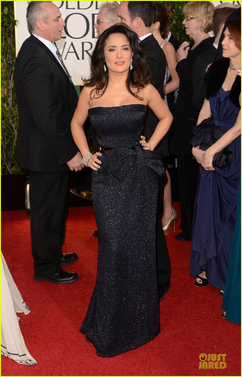 salma hayek golden globes 2013 red carpet 032791248