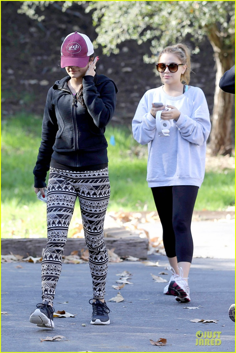 vanessa hudgens studio city hike with stella 032787041