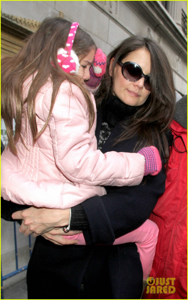 katie holmes dead accounts with suri 05