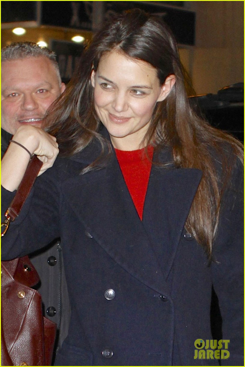 katie holmes dead accounts new year performance 02