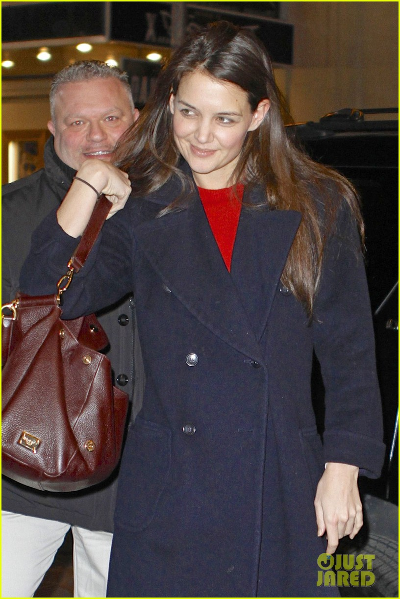 katie holmes dead accounts new year performance 032783817