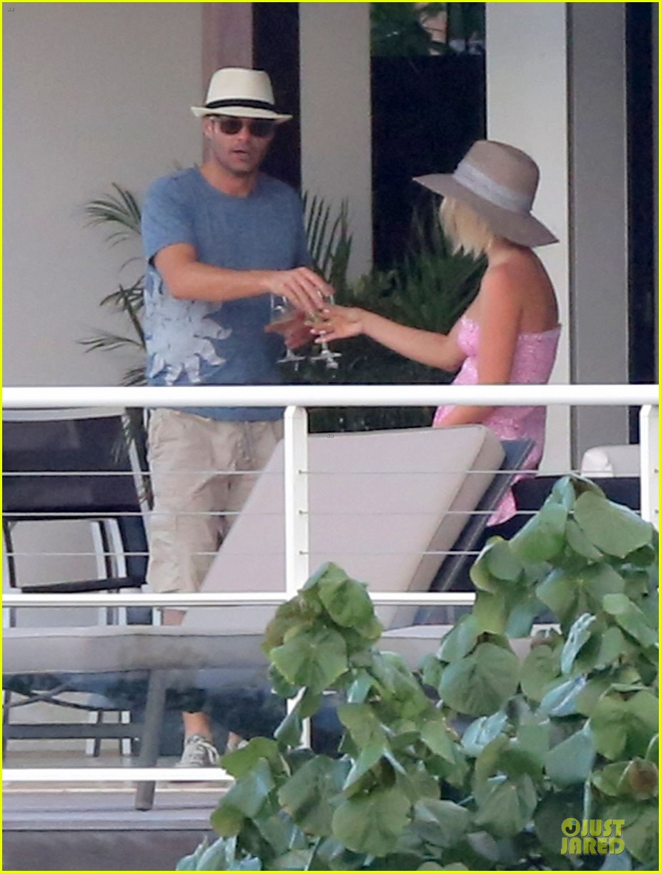 julianne hough & ryan seacrest beach deck kisses 162785186