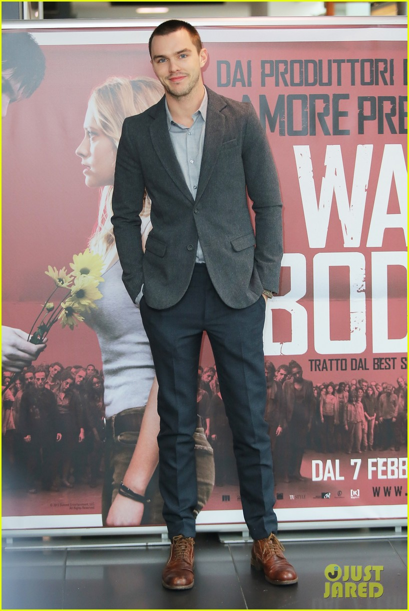 nicholas hoult warm bodies rome photo call 01