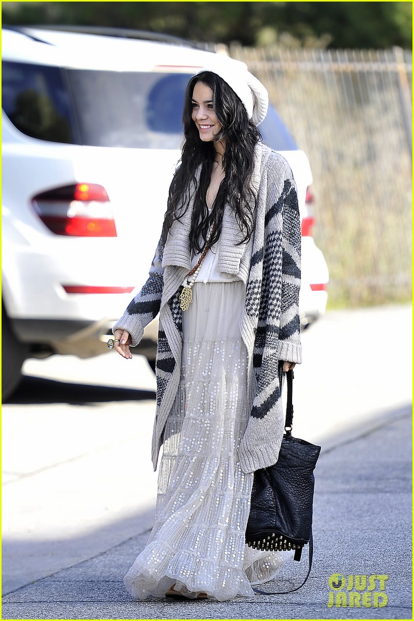 vanessa hudgens new year new adventures 04