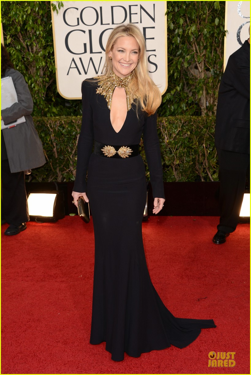 kate hudson golden globes 2013 red carpet 05