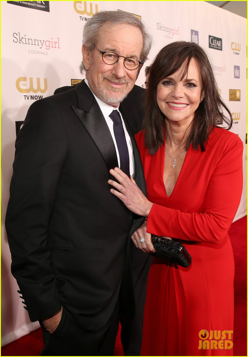 helen hunt sally field critics choice awards 2013 02
