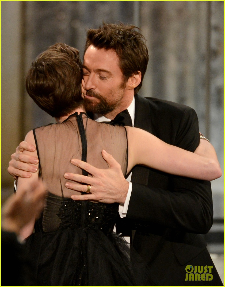 hugh jackman sag awards 2013 red carpet 01