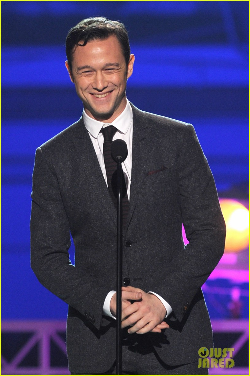 jgl bale critics choice awards 06