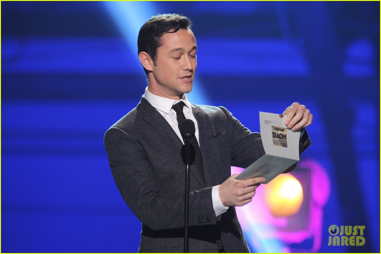 jgl bale critics choice awards 08